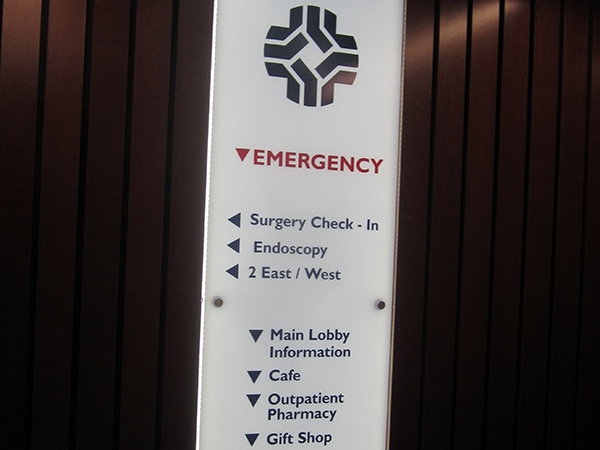 directional sign - Chesapeake Regional Medical Center